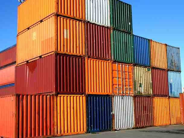 65906_shipping-containers_gkvxitkykudkv6xycydwpfebjxncurxrbvj6lwuht2ya6mzmafma_610x457[1]